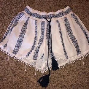 Woman's Romeo and Juliet Couture shorts
